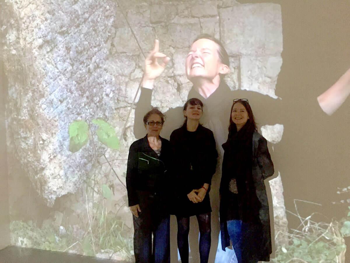 Rencontre avec Corine Sombrun dans mon exposition Spirits of War